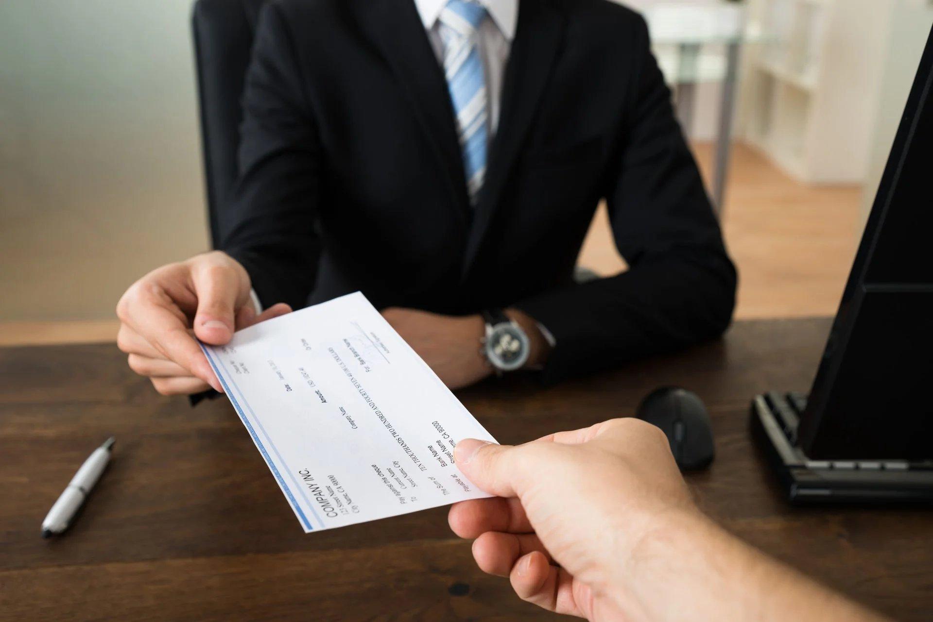 Assoluzione dal reato di falsità in titolo di credito