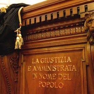 Atti contrari alla pubblica decenza. Cosa ha stabilito la Suprema Corte di Cassazione sul punto.