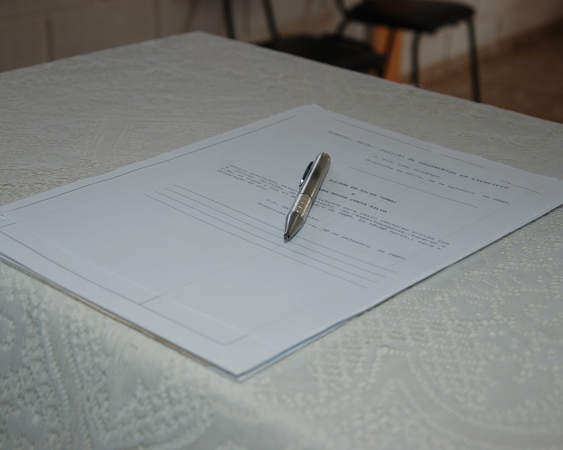 How to request the criminal record certificate and pending charges in Italy