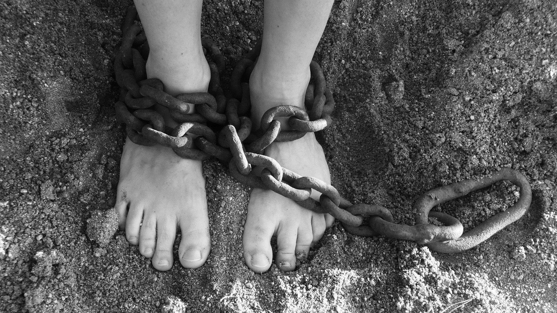 Mandato di Arresto e Divieto Tortura